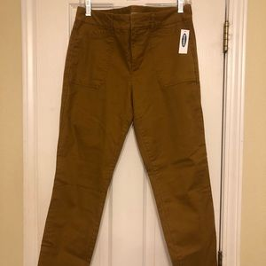 Mustard Old Navy Pixie Pants, New with tag